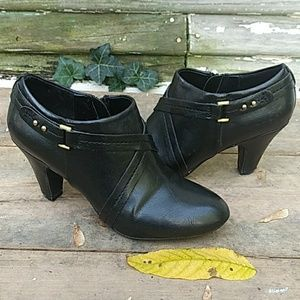 NATURALIZER Comfort Heeled Zipper Ankle Bootie 7M